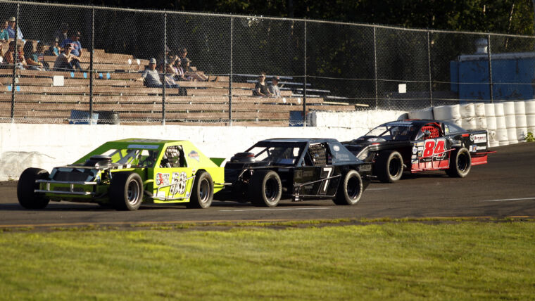 Atlantic Modified Tour Thunders to Speedway Miramichi Saturday