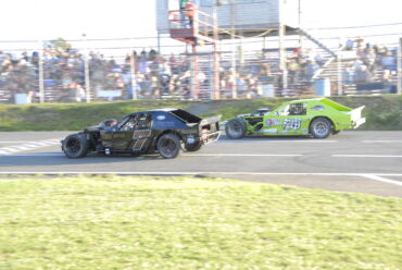 MCCRAY LEADS MODIFIEDS INTO MIKE STEVENS MEMORIAL FRIDAY NIGHT